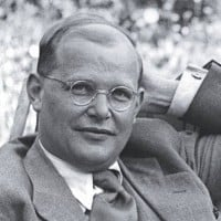intro_bonhoeffer_portraet_g